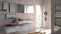 Freihängender Waschtisch in kompletter Waschplatz-Lösung
